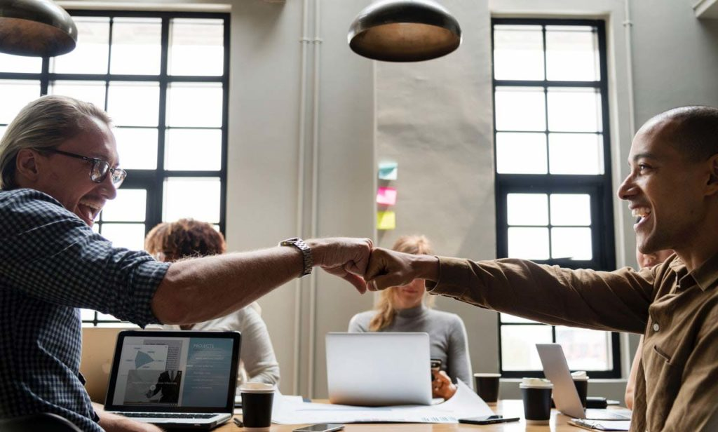 Lorsque les plates-formes de travail collaboratives sont utilisées correctement, le travail est plus facile et plus réussi.